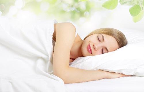 Tác dụng của ngâm chân massage giúp bạn ngủ ngon hơn - Tâm Việt