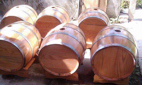 Bồn tắm gỗ lõi mít tiện dụng và có độ bền cao