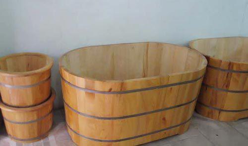 Bồn tắm gỗ thanh lý thương kém chất lượng và dính nhiều hóa chất độc hại