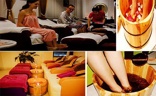 Hình thức ngâm chân bằng thảo dược được nhiều Spa khách sạn ưa chuộng sử dụng