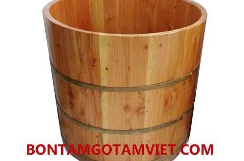 Thùng tắm tròn gỗ thông tại cửa hàng Tâm Việt