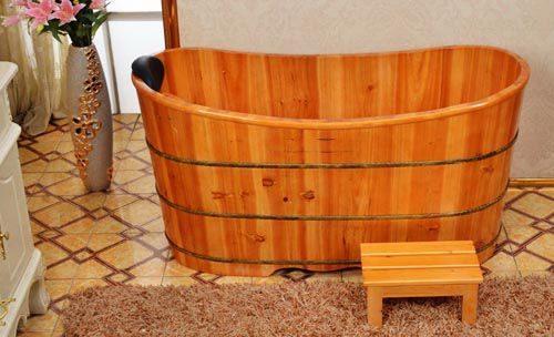 Ưu nhược điểm của bồn tắm gỗ Pơ mu cao cấp