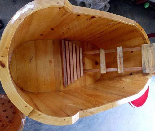 Bồn tắm gỗ bo viền gỗ sồi
