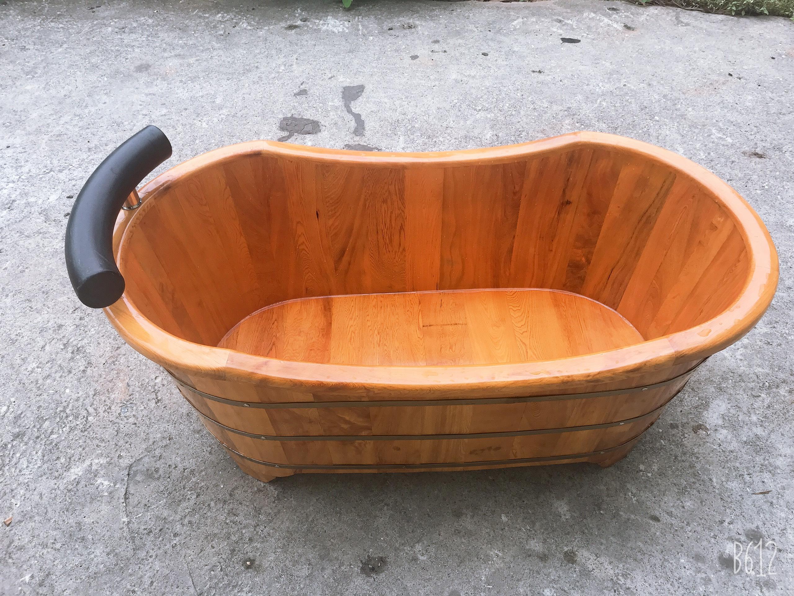 Bồn tắm nằm bo viền gỗ pơmu dài 1260mm rộng 670mm cao 550mm